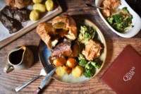 Sunday Roasts at the Queens Arms